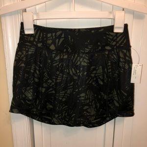 Old Navy Active Wear skirt/shorts (skort)